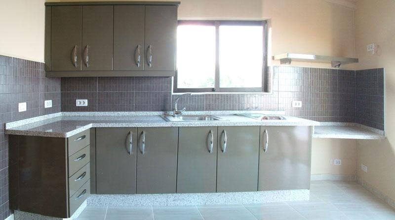 Carpinter a tenerife cocinas lacadas o rusticas for Colores de granito para encimeras