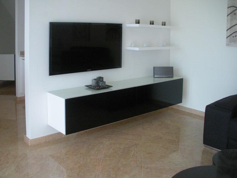 Muebles empotrados para tv dormitorios - Dormitorio en blanco y negro ...